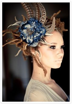........Stunning Blue Flowered, Pheasant Feathered Fascinator…