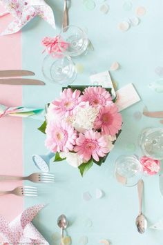Deco pastel baptism girl bouquet of flower centerpiece in watering can mint and pink gerbera and carnation windmill Liberty Source by Baptism Decorations, Table Decorations, Deco Pastel, Pink Gerbera, Unicorn Themed Birthday, Flower Centerpieces, Christening, Color Schemes, Party
