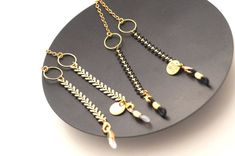 Gold Fishbone Glasses Chain for Women, Chic Gold Eyeglasses Chain, Sunglasses Necklace for Her, SPECSET Glass Necklace, Beaded Necklace, Schmuck Design, Metal Jewelry, Eyeglasses, Jewelery, Jewelry Design, Chain, Elegant