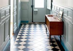 Afbeeldingsresultaat voor vloertegels steen hal Exterior Wall Tiles, Narrow Hallway Decorating, Geometric Type, Traditional Tile, Tile Countertops, Garage Walls, Vintage Tile, Wall And Floor Tiles, Shower Floor
