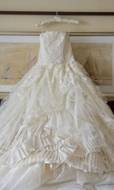 Used Vera Wang Wedding Dress Eliza, Size 6  | Get a designer gown for (much!) less on PreOwnedWeddingDresses.com