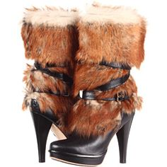 """Shortie had them apple bottom jeans... boots with the fur (with the fur)... the whole club was lookin at her""  Ugg Foxley"