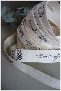Créer son ruban perso avec du sergé de coton et des tampons