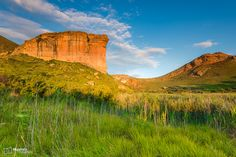 A photo gallery of Golden Gate Highlands National Park. Places To Travel, Places To Visit, Golden Gate, Monument Valley, South Africa, Photo Galleries, National Parks, Gallery, Free State