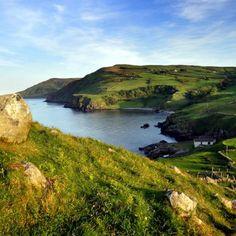 Portaleen Bay, Ireland. <3