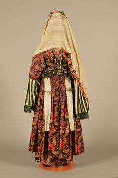 """Chryssomandilo"", bridal and festive costume from Astypalaia (Dodecanese, Greece), belonging to the Palatianou family, c. 1870 - Back side Greek Traditional Dress, Traditional Outfits, Historical Costume, Historical Clothing, Montenegro, Europe Fashion, Dance Costumes, Greek Costumes, Folk Fashion"