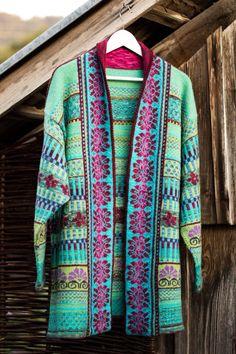 My First Fair Isles Jacket Knitting Patterns Free, Free Pattern, Fair Isle Knitting, Knit Cardigan, Color Combinations, Crochet, Fair Isles, Beautiful, Tops