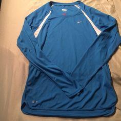 Women Nike long sleeve Drifit $2 SALE TIL TOMORROW Dri-fit lightly worn. Size large Nike Tops Tees - Long Sleeve