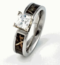 Camo Engagement Wedding ring, Women's Outdoor Rings - Titanium-Buzz.com