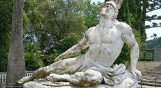 Vediamo quali sono questi esercizi del sistema spartano per avere un corpo perfetto senza spendere un centesimo.