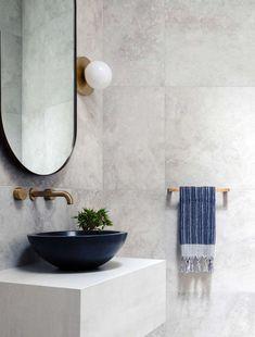 Modern home design Bathroom Red, Modern Bathroom, Small Bathroom, Mirror Bathroom, Bathroom Plants, Bathroom Towels, Red Bathrooms, Bathroom Ideas, French Bathroom