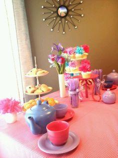 Little girl tea party~