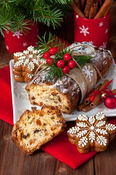 Traditional Homemade Stollen Dried Fruits Nuts Stock Photo (Edit Now) 496372519 Christmas Goodies, Christmas Desserts, Merry Christmas, Cake Cookies, Cupcake Cakes, Salsa Picante, Christmas Coffee, Food And Drink, Yummy Food