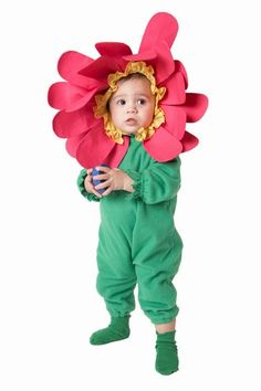 Flower babies! This cutie really pulls off that headdress.