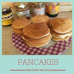 Fare i pancakes senza glutine e senza latte non mai stato così semplice, trovate anche la video ricetta! www.ilcaffedellemamme.it #glutenfree #dairyfree #breakfast