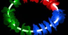 Tu organises une soirée d'été et tu souhaites booster ta tenue avec des accessoires colorés? Ne cherche plus, sur notre site, tu peus être sûr que nos produits sont bel et bien les moins chers Viens t'amuser avec nos colliers hawaiens lumineux!  🌹🌞 Retrouvez ce produit: http://www.pulserasfluor.es/collares-luminosos-fluorescentes/collares-luminosos-flores.html  🌹🌞 #fête #soirée #collier #lumineux #été #fun