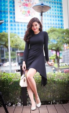 Gam màu trắng được nhiều bạn gái yêu thích bởi nó thể hiện nét tinh khôi, trong sáng kết hợp cùng với các trang phục đơn giản, tạo nên vẻ đẹp thanh nhã vô cùng. Nào hãy cùng ngắm những đôi giày màu trắng xinh xắn và dễ thương Evashoes dành tặng các bạn gái  nhé!