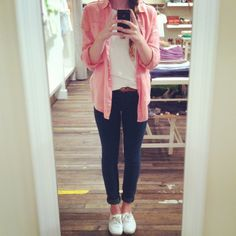 coral button up, white shirt, thin leather belt, jeggings, and white keds