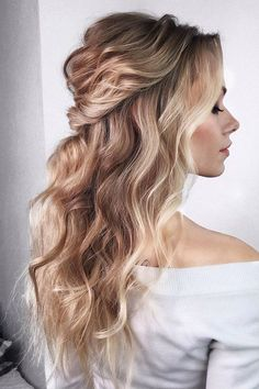 42 Chic And Easy Wedding Guest Hairstyles ❤ wedding guest hairstyles long gold curls with half up and curls kiramaslik Wedding Guest Hairstyles Long, Long Hair Wedding Styles, Short Hair Styles, Chic Hairstyles, Bride Hairstyles, Shoulder Hair, Shoulder Length, Different Hairstyles, Simple Hairstyles With Curls