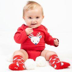 Body bebeluși din bumbac organic, certificat GOTS.  Model bluză cu aplicație ren.  Compoziție 100% bumbac organic.   Mărimi disponibile 6-9 luni până la 18-24 luni. Babys 1st Christmas, Unisex Baby, Baby Bodysuit, Baby Shop, Reindeer, Organic Cotton, Serendipity, Claire, Red