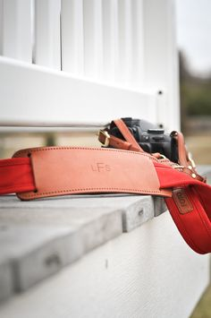 A Lacey Perspective: Foto Strap (& Giveaway)
