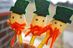leprechaun wooden spoon puppets