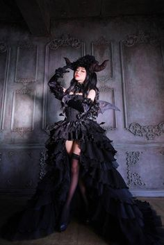 Character: Lilith Design: Sakizo Cosplay by 토미아 (Tomiaaa)