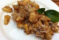 Healthy Apple Crisp Recipe—a fall favorite.