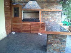 QUINCHO LOS PORTONES Outdoor Entertaining, Outdoor Cooking, Patio Design, Garden Design, Backyard Kitchen, Diy Kitchen Cabinets, Outdoor Living, Outdoor Decor, Pergola