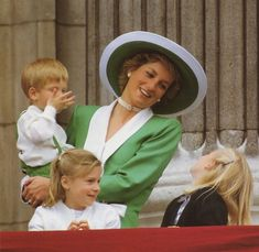 November Princess Diana and Prince Harry at the Trooping of the Colour. Diana wearing a green with white silk suit and matching hat. Zara Phillips might be one of the girls here. Princess Diana Dresses, Princess Diana Family, Princess Diana Pictures, Royal Princess, Prince And Princess, Princess Charlotte, Princess Of Wales, Prince Harry, Diana Son