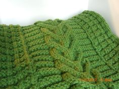 Love this,  Its crochet I want one in Off white for my bed.