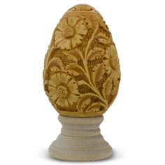 Engraved Flowers Wooden Easter Egg - It is sure to become one of your most treasured keepsakes. Intricately detailed,these eggs are painted with rich, vibrant colors and decorated by the skilled craftsman from India. Chip Carving, Bone Carving, Carving Wood, Wood Carvings, Decorating Supplies, Egg Decorating, Carved Eggs, Hand Carved, Wood Burning Techniques
