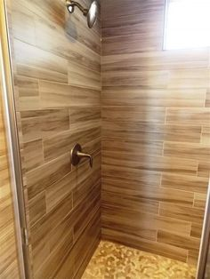 Contemporary Bathroom with Arizona Tile Savannah Honey Porcelain, Pebble tile shop sliced java tan and white pebble tile Pebble Tile Shower Floor, Pebble Tiles, Tile Floor, White Pebbles, Bathroom Design Small, Home Remodeling, Bathroom Remodelling, Home Improvement, Flooring