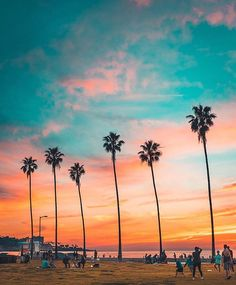Cali ♥️   San Diego taken by @bartblachnio  #travel #viajar #explore #wanderlust #sunset  #vacation #sky #vacaciones #holiday #beach #playa #palmtrees #missionbeach #sunsetcliffs #oceanbeach #lajolla #sandiego #california #calilove #instagood #monday #lajollalocals #sandiegoconnection #sdlocals - posted by travel more   work less 🗺🏃♀️💨  https://www.instagram.com/beachlife_isbest. See more post on La Jolla at http://LaJollaLocals.com