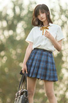 Body Reference Poses, Cute Girls, Cool Girl, Wonder Woman Art, Beautiful Japanese Girl, Asian Cute, Japan Girl, Pretty And Cute, Girl Poses