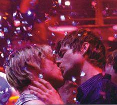 Queer as Folk - kiss on the dance floor.