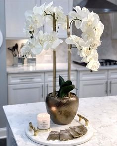 Orchid, candle and tray accessories for dresser Home Decor Boxes, Home Decor Baskets, Tray Decor, Table Decor Living Room, Home Living Room, Bedroom Decor, Spring Decoration, Decoration Evenementielle, Home Room Design