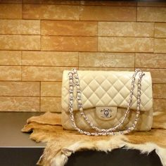 Chanel handbag karmen (champagne) caviar