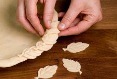 How to DIY Pretty Decorative Pie Crusts | iCreativeIdeas.com Follow Us on Facebook --> https://www.facebook.com/iCreativeIdeas