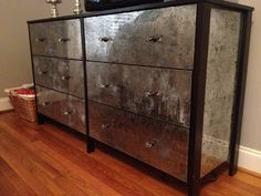 DIY Antiqued Mirrored Dresser with black and gray paint and Krylon Looking Glass paint: use mercury glass technique. Looking Glass Spray Paint, Krylon Looking Glass, Mirror Effect Spray Paint, Diy Mirror, Dresser With Mirror, Mirrored Dresser, Mirror Ideas, Desk Ideas, Mirror Glass