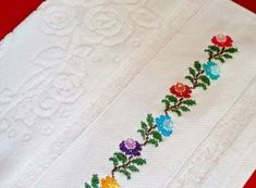 Etamin işlemeli havlu kenarları ve şemaları Face Towel, Dish Towels, Cross Stitch Embroidery, Towels, Hand Embroidery, Ribbon Embroidery Tutorial, Punto De Cruz, Dots, Quotes