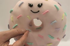 Free Project - Gravity Defying Donut! - Hobbies and Crafts Squires Kitchen, Cake Frame, Victoria Sponge Cake, Edible Glue, White Chocolate Ganache, Doughnut Cake, Rice Crispy Treats, Wafer Paper, Cake Board