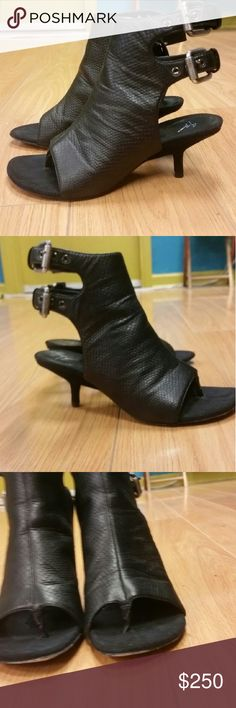 Giuseppe Zanotti thong heels These beautiful super designer shoes are on great condition. There's a small chip in the heel, see pic. Wear with pride! Giuseppe Zanotti Shoes Heels