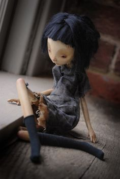 """Dounia by Karly Perez. All you have is """"yesterday"""" and those cheap brown boots. Clay Dolls, Blythe Dolls, Paperclay, Creepy Dolls, Little Doll, Doll Maker, Soft Sculpture, Stop Motion, Ball Jointed Dolls"""
