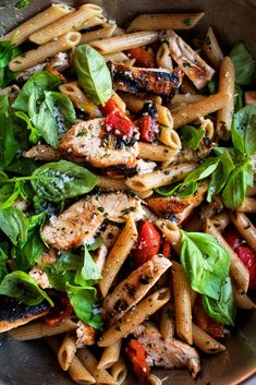 Grilled Chicken Pasta, Grilled Chicken Recipes, Balsamic Pasta Salads, Salad Works, Stuffed Green Peppers, Red Peppers, Perfect Food, Food Dishes, Vinaigrette