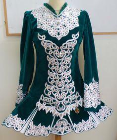 Love the knotwork on this one! Irish Step Dancing, Irish Dance, Dance Like No One Is Watching, Just Dance, Dance Moms, Irish Design, Dance Hairstyles, Costume Dress, Dance Dresses
