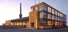 Fagus Factory, Alfeld, Germany (1913) Architect: Walter Gropius