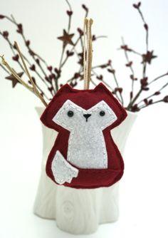 Red Fox Ornament / Handmade Felt Fox Ornament / by WhimzyHollow Fox Ornaments, Handmade Ornaments, Handmade Felt, Christmas Tree Ornaments, Christmas Stockings, Christmas Crafts, Unique Christmas Trees, Christmas Tree Decorations, Holiday Decor