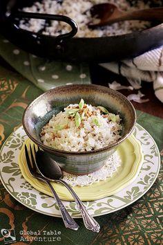Filipino Garlic-Fried Rice | Panlasang Pinoy