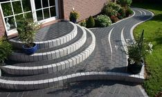 Exterior design for modern gardens ✿ ✿ For the summer entry we h Patio Steps, Cement Steps, Brick Steps, Outdoor Steps, Cement Patio, Design Exterior, Patio Design, Design Design, Modern Design